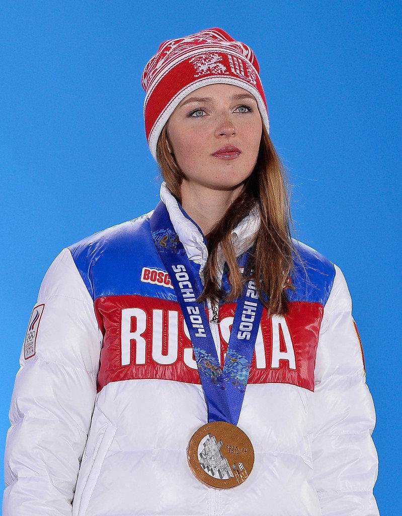 russkie-znamenitie-snoubordistki-zyat-trahaet-teshu-po-russkiy