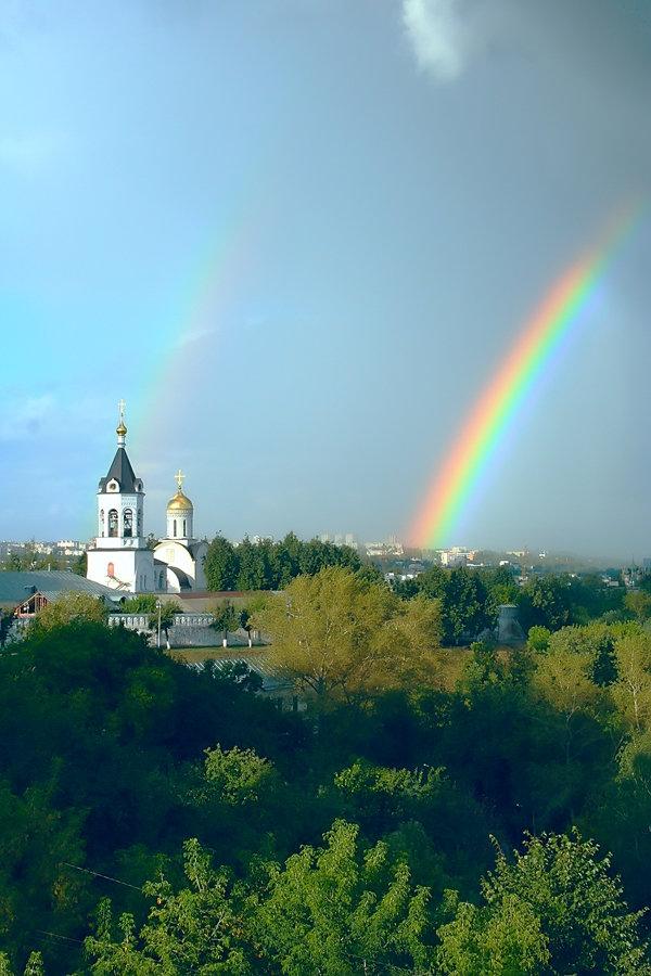 красивые картинки с церквями и радугой говоря человек, что