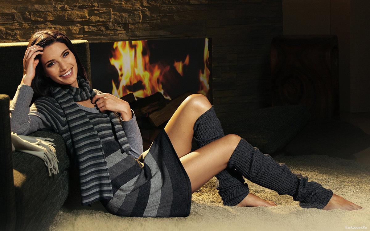 Красивая девушка в гетрах, фото секс трах вогнал член