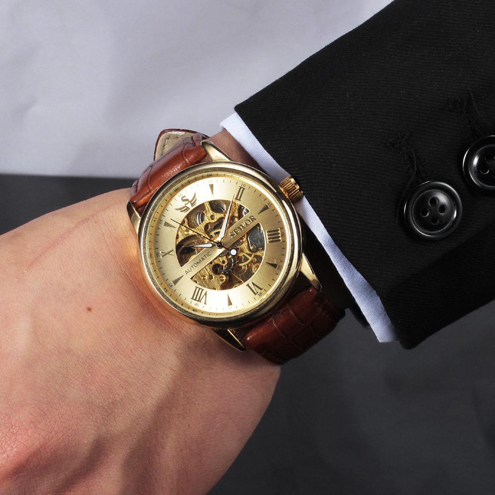 Отображение времени аналоговое  стекло минеральное с сапфировым покрытием.