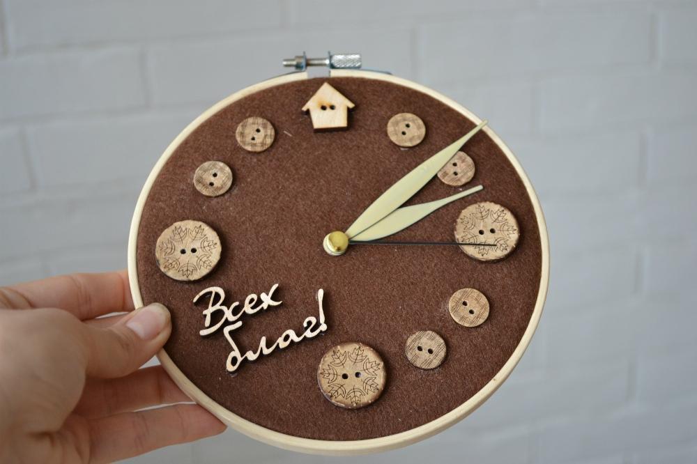 сделать новогодние настенные часы своими руками