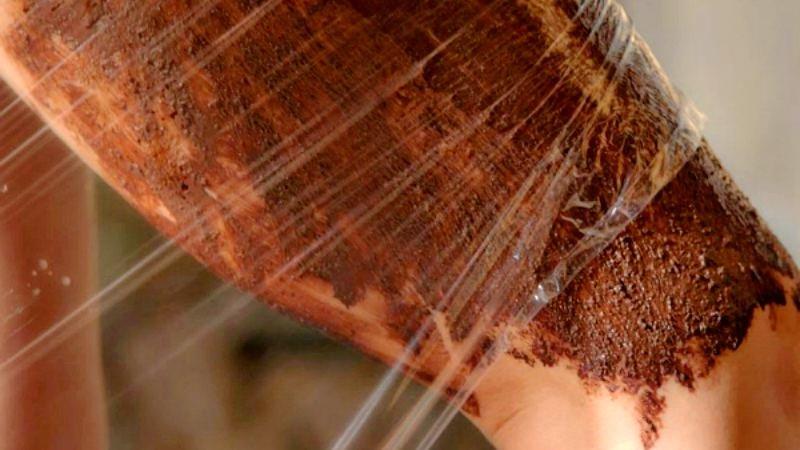 Делаем холодное обертывание против целлюлита: медовое ...