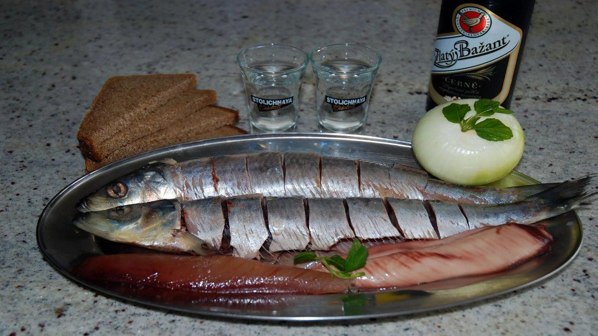Картинки пиво с рыбой прикольные и водка с салом