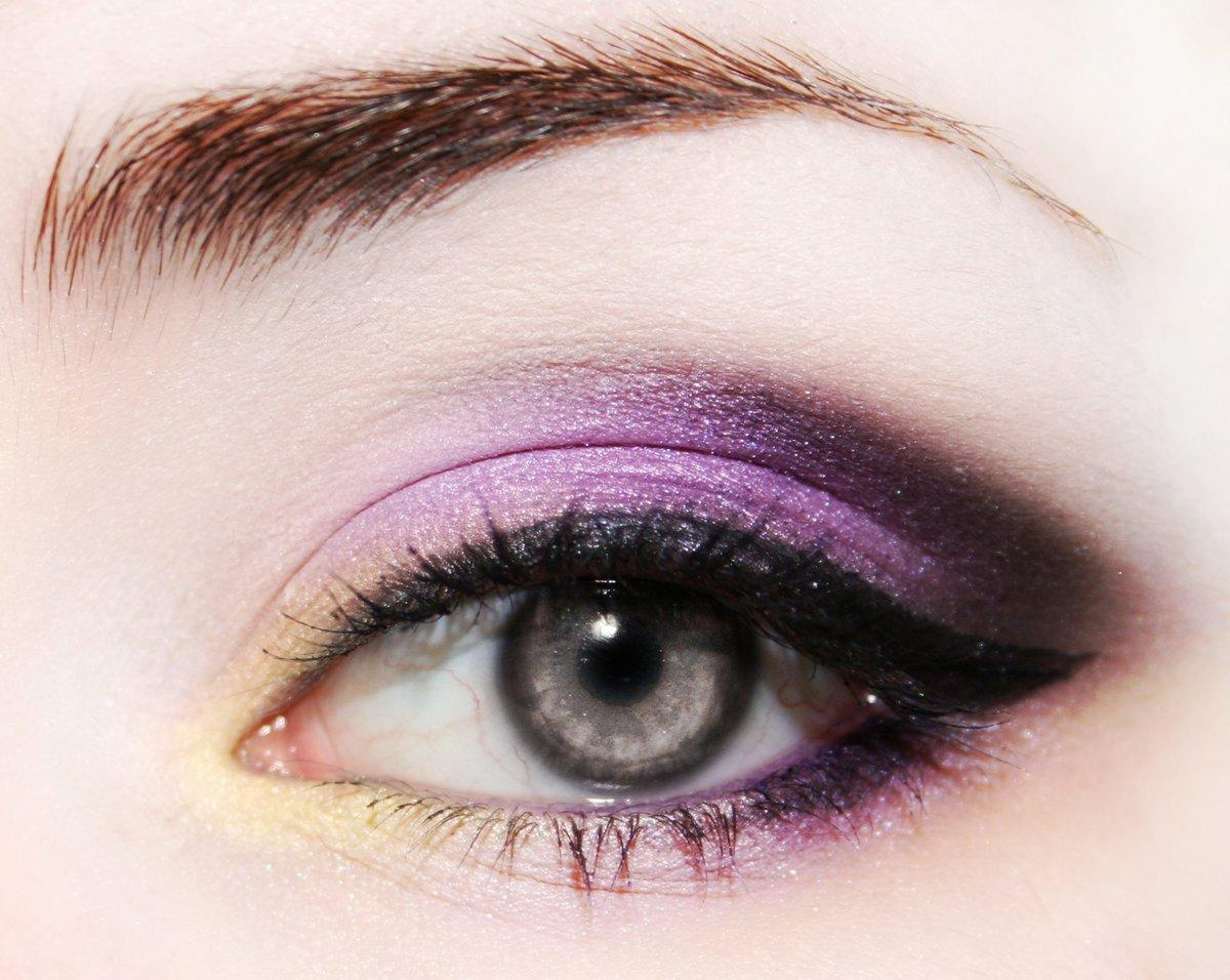 что социальных техники макияжа глаз в картинках территории