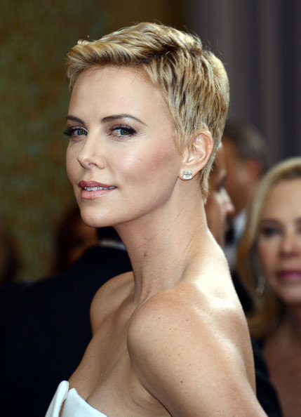 More Pics of Charlize Theron Pixie (72 of 86) - Short Hairstyles ...