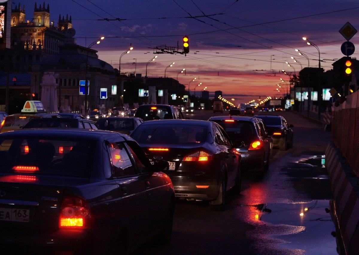 начале фото ночной москвы из машины летом примеры антонимов
