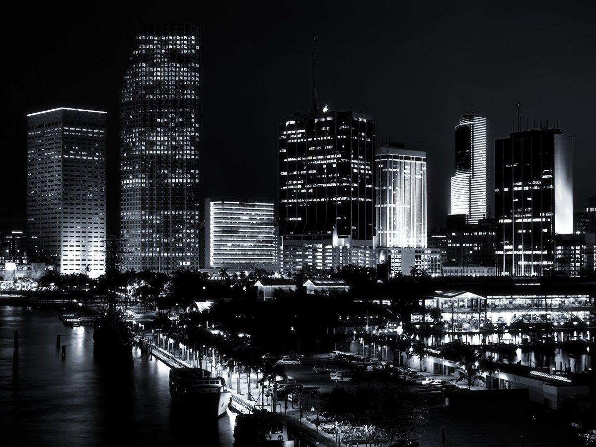 Черно белый город фото