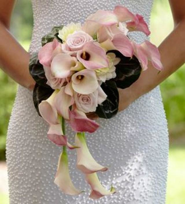 Цветы тюмень, свадебный букет из розовых роз каскад