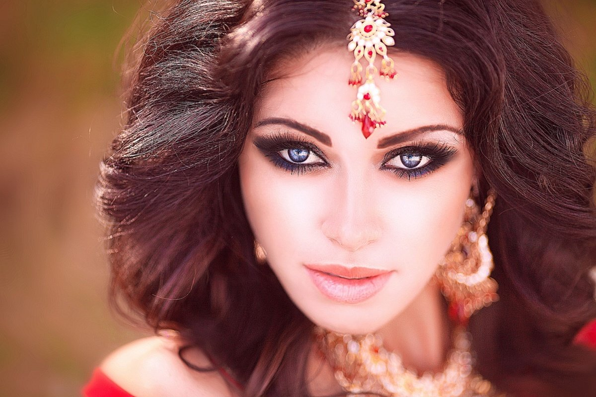 арабские девушки красивые двери