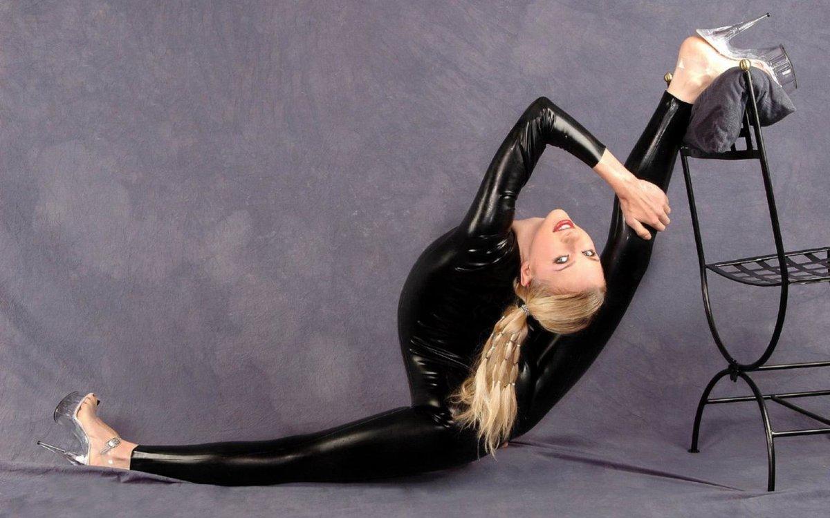 Супер голая гимнастика, Голые гимнастки: смотреть русское порно видео онлайн 7 фотография