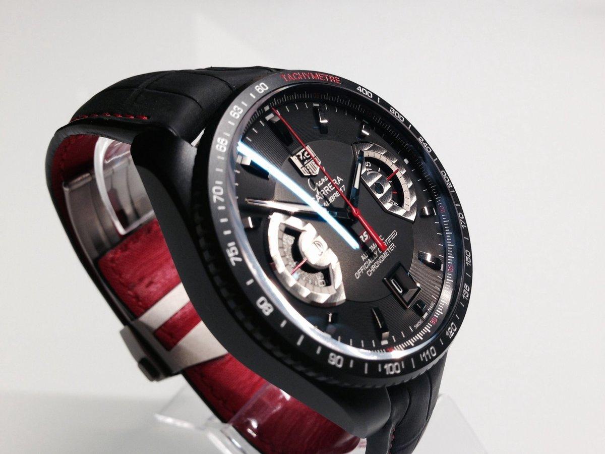 В наши дни уже десятое поколение моделей tag heuer carrera предоставляет покупателю этой марки широчайший выбор наручных часов — от классических трёхстрелочников до хронографов calibre , calibre 5 и calibre 7.