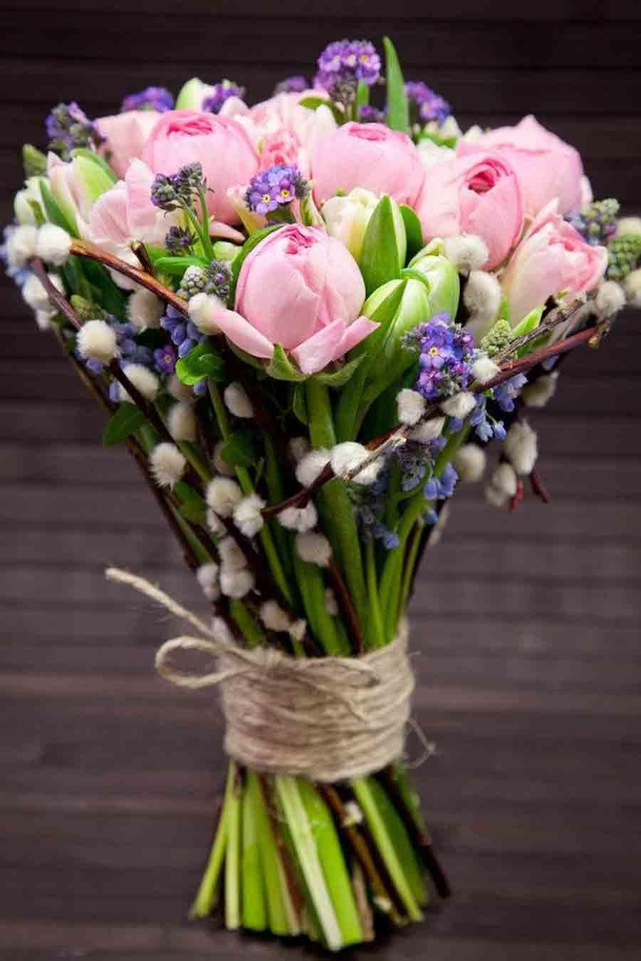 Букеты роз, дизайнерский букет весенний цветы