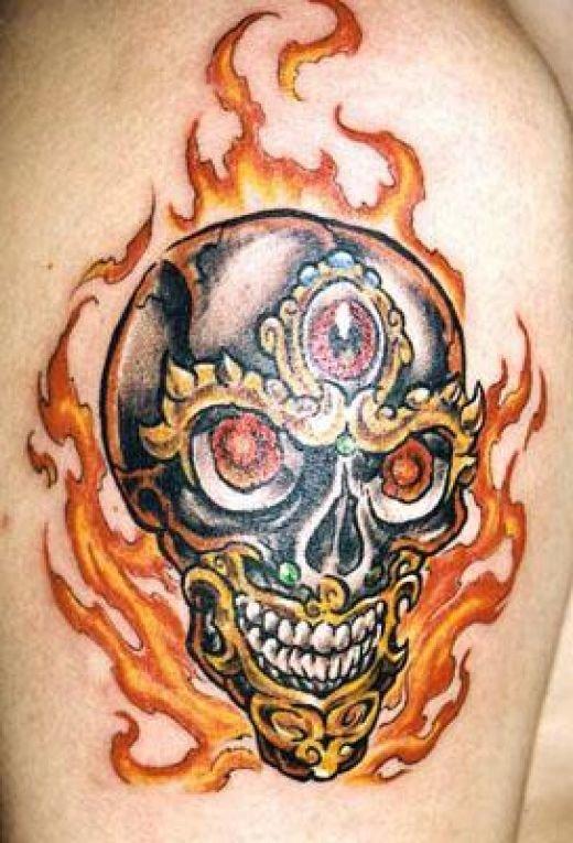 фото тату череп и огонь простой вариант, сразу