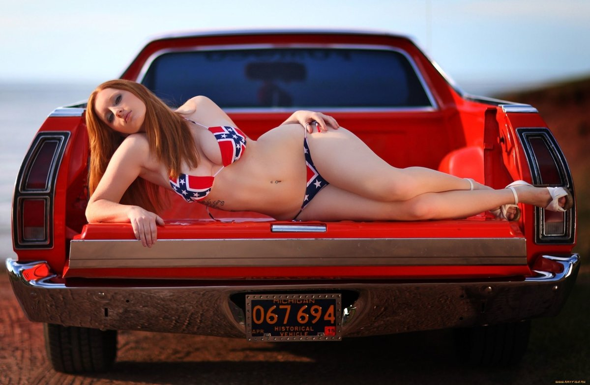 naked-little-girls-and-women-in-cars