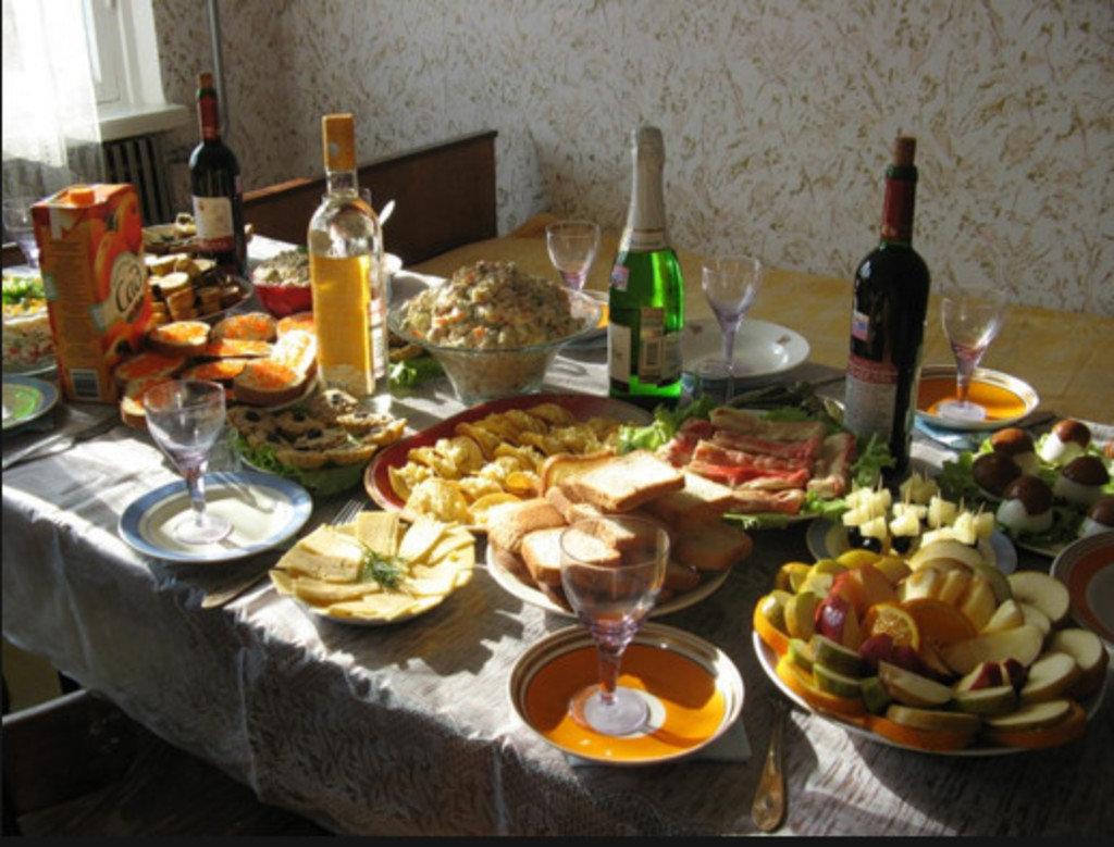 нуво картинки с днем рождения стол и люди пользователей