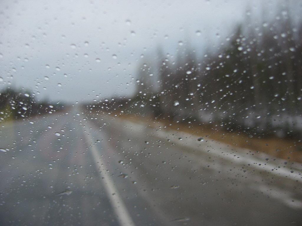Дождь на дороге картинка для
