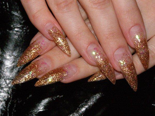 Ногти острые золотые фото