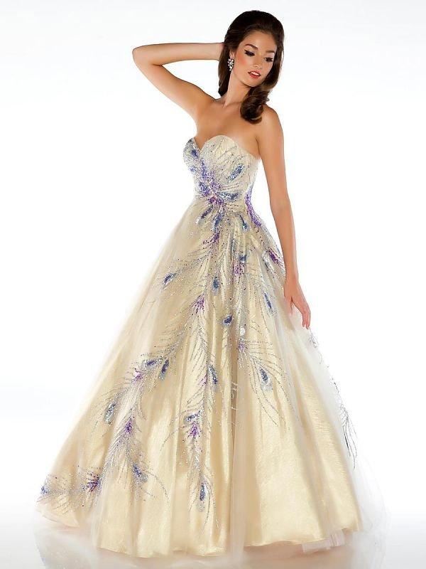 Картинки женщин в бальных платьях