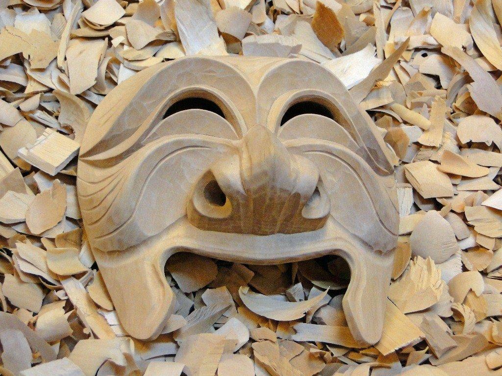 сильно удивлен, картинки резьба по дереву маски времен магия него