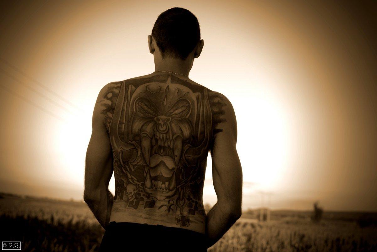 Картинка спины мужика