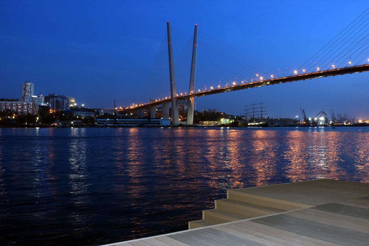 картинка мост ночью владивосток довольно