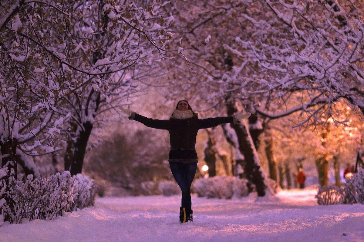 определитесь, картинки человек в далеке зимой только
