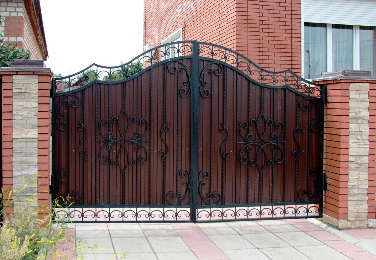 красивые ворота и калитка из профнастила