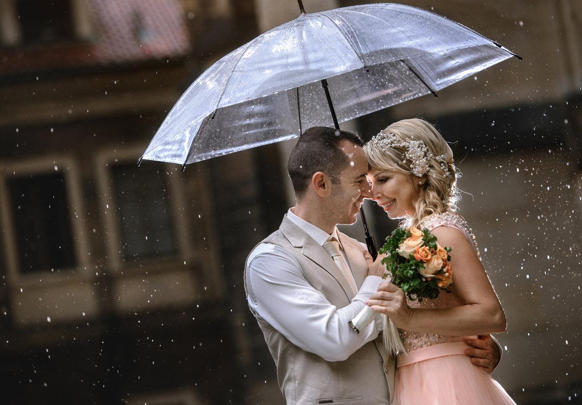 Букеты в день свадьбы дождь и гроза, для