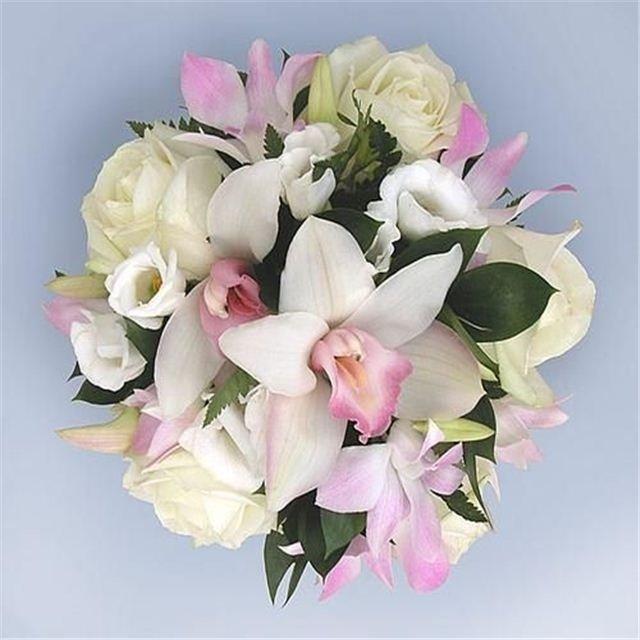 Букеты из орхидей лилий и роз фото, белые розы
