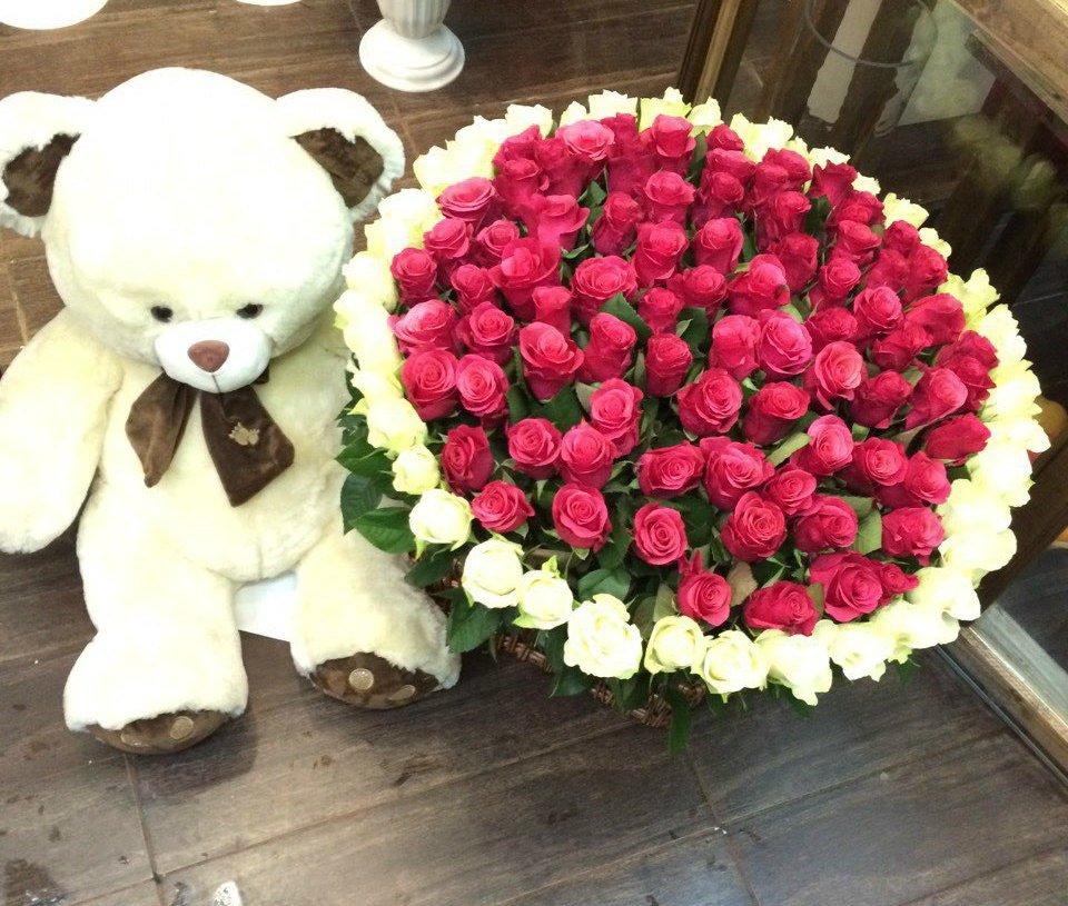 картинки большой букет роз и мишка здесь