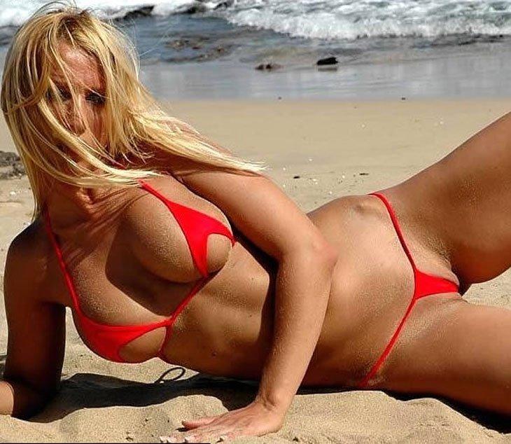 Сосет длинный экстрим купальники на пляже фото фото сиськастые