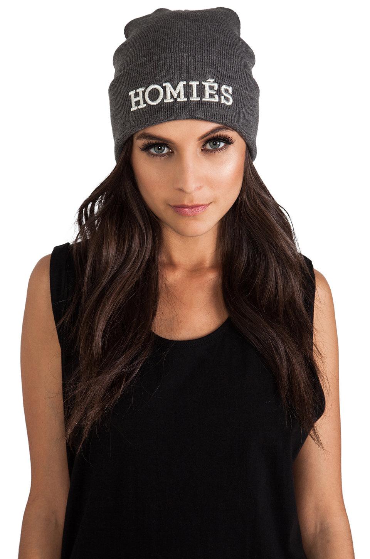 купить шапку девушке