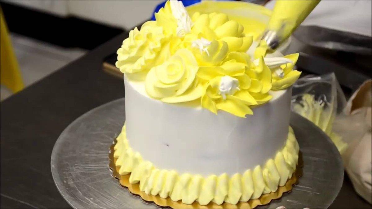 Крема разных цветов для торта