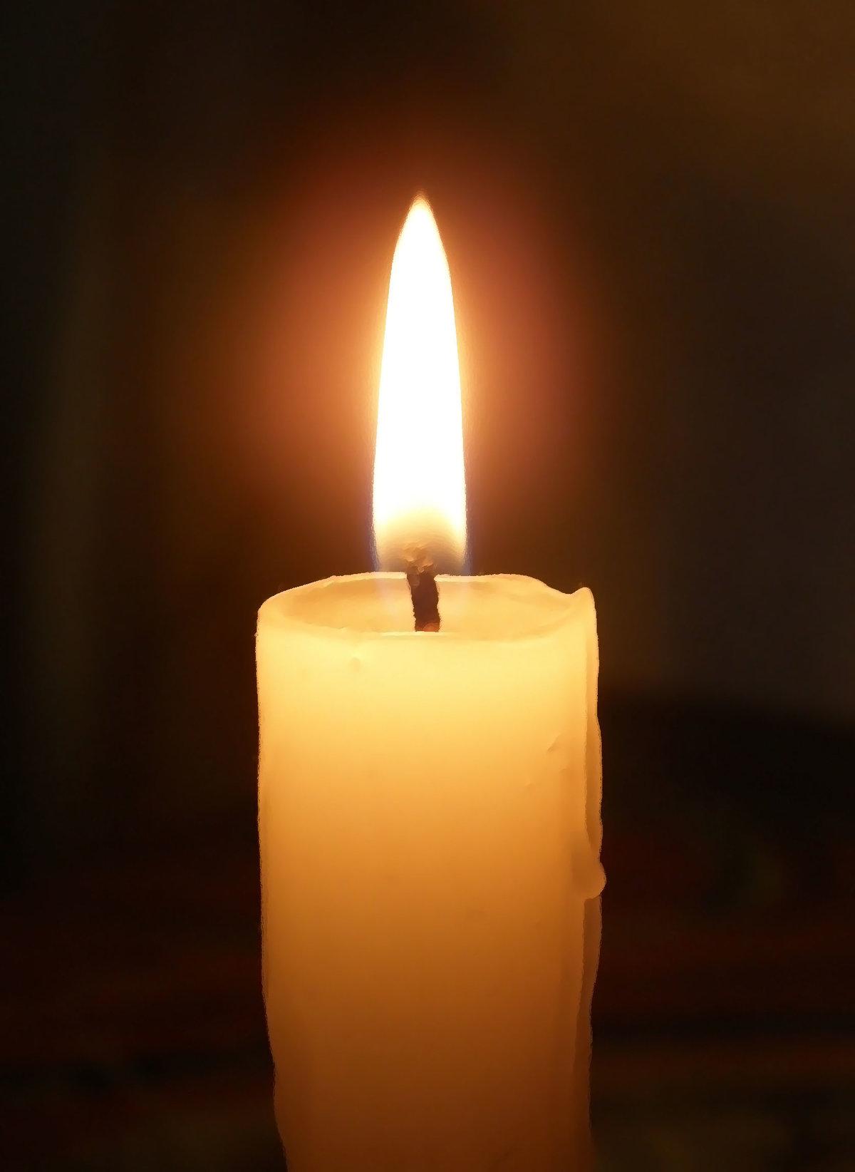Картинки горящих свечей анимация, хорошего отдыха после
