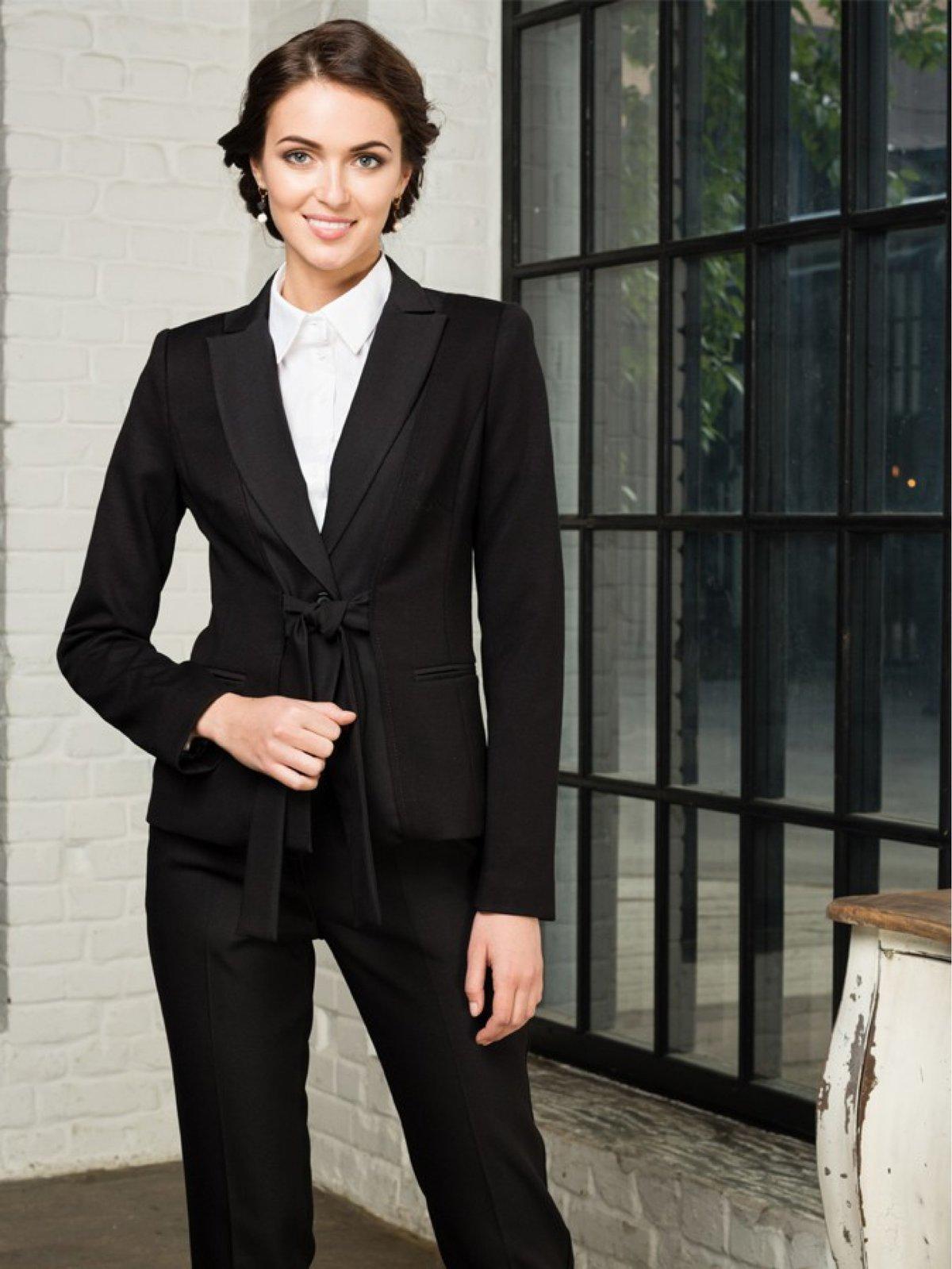 Картинки деловая женщина в деловом костюме