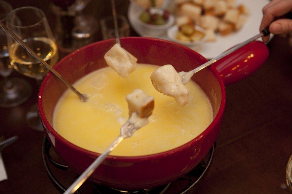 Картинка сырного фондю