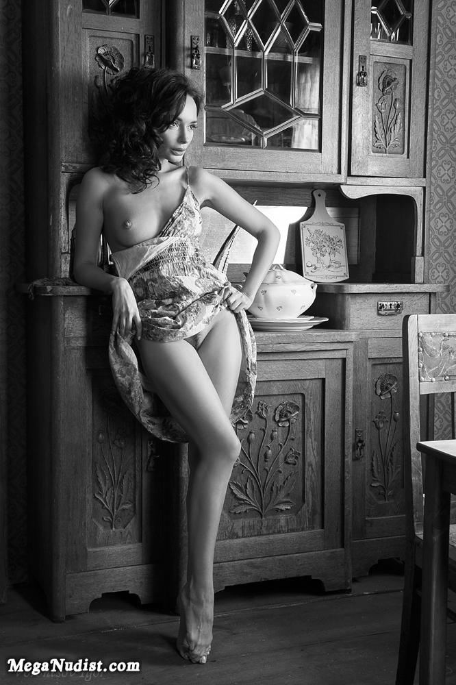 галерея частной эротической фотографии костерок берегу
