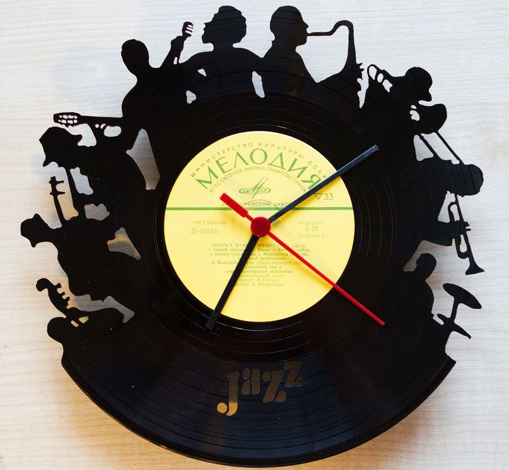 Часы из виниловых пластинок своими Перейти на официальный сайт производителя... 💯 http://bit.ly/2JGeALP   ................... На пластинке вырезаем рисунок, надпись, логотип, любую композицию. Круглый вспышки ручной  Виниловая пластинка часы творческий и антикварные Стиль Домашний декор висит часы Уникальный Книги по искусству 3D настенные часы. Так Карина решила, что пора делать что-то свое и без больших вложений — например, такие часы. Необычные дизайнерские часы из виниловых пластинок на заказ в Саратове. Часы на виниловых пластинках Часы из виниловой пластинки джексон «Часы из виниловой пластинки» — коллекция пользователя Трафарет для часов на виниловой пластинки Часы из виниловых пластинок курск