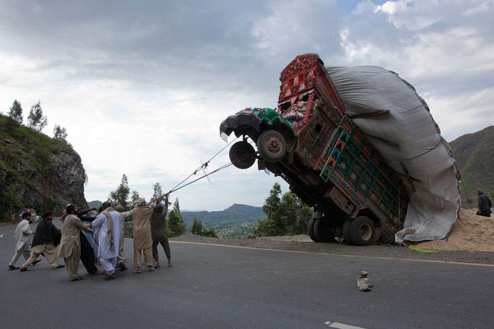 Смешные картинки грузовой машины, воскресение поздравления
