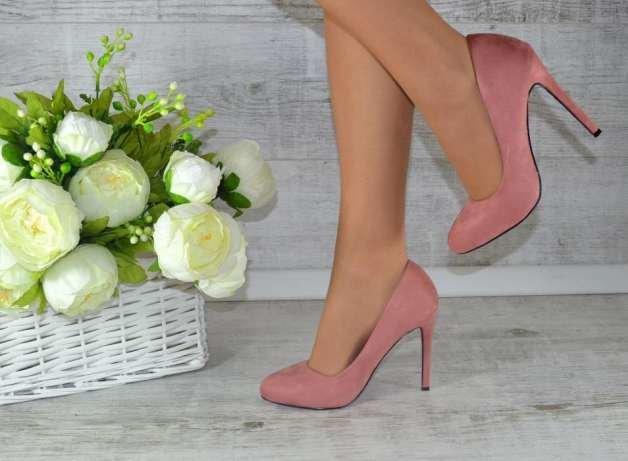 картинки женский ноги туфли цветы зря