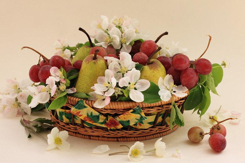 Днем рождения, цветы фрукты открытка