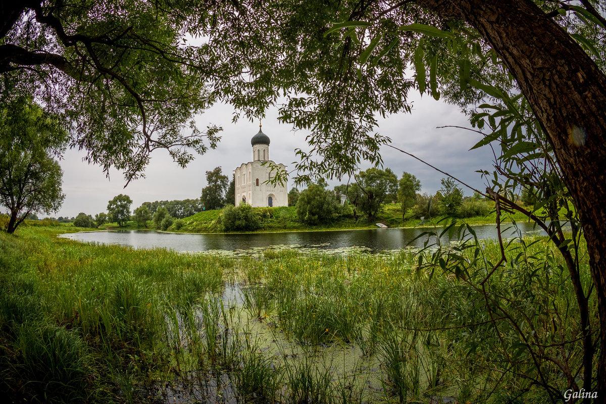 Картинки с храмом и природой