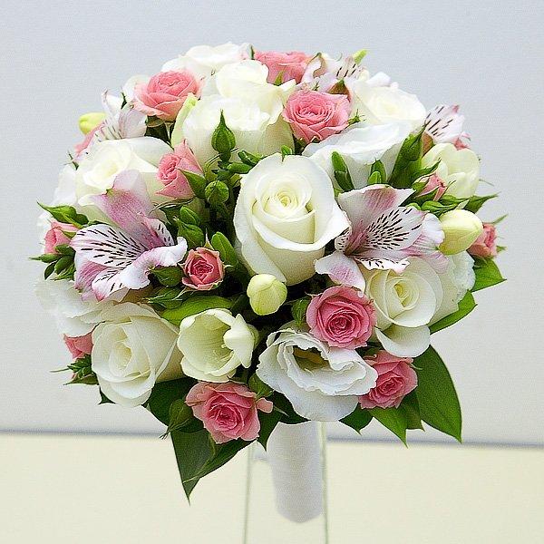 Классический букет невесты из роз и альстромерии, букет черкассы