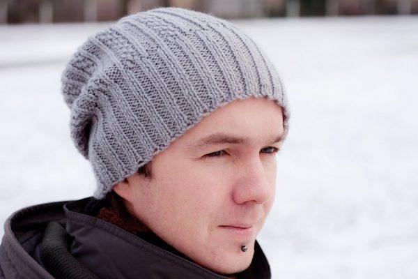 Вязание спицами шапки для женщин с описанием и 64
