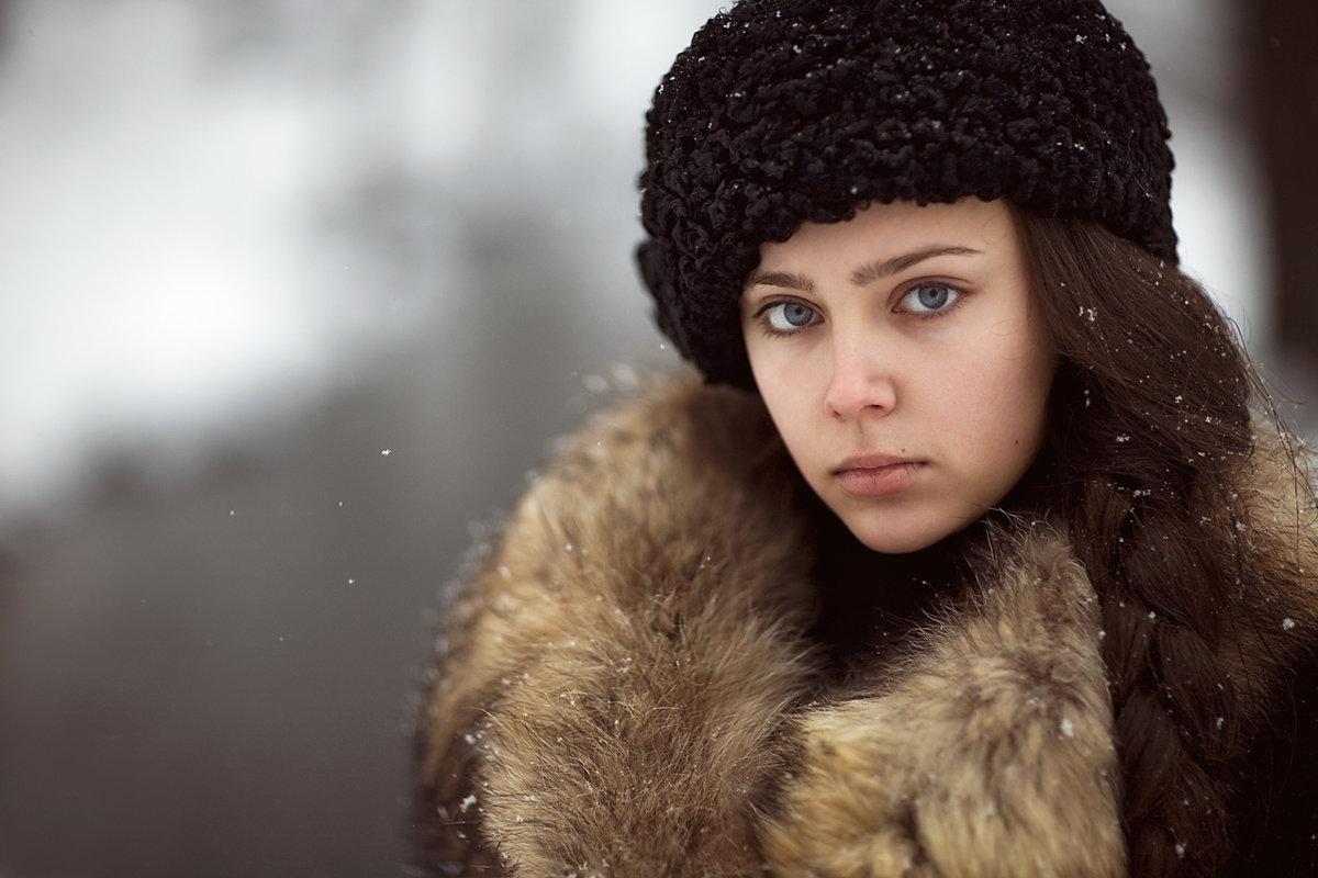 женский зимний фотопортрет пропадет общей