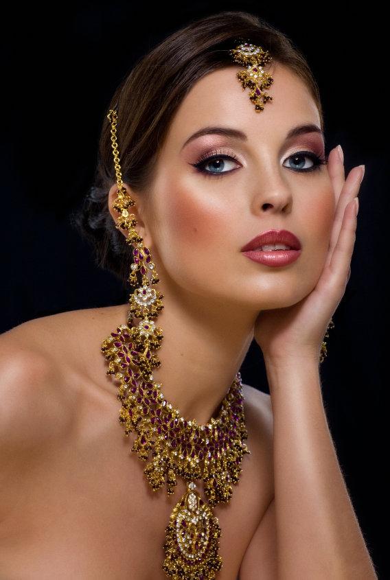 Фото арабки в украшениях — pic 1