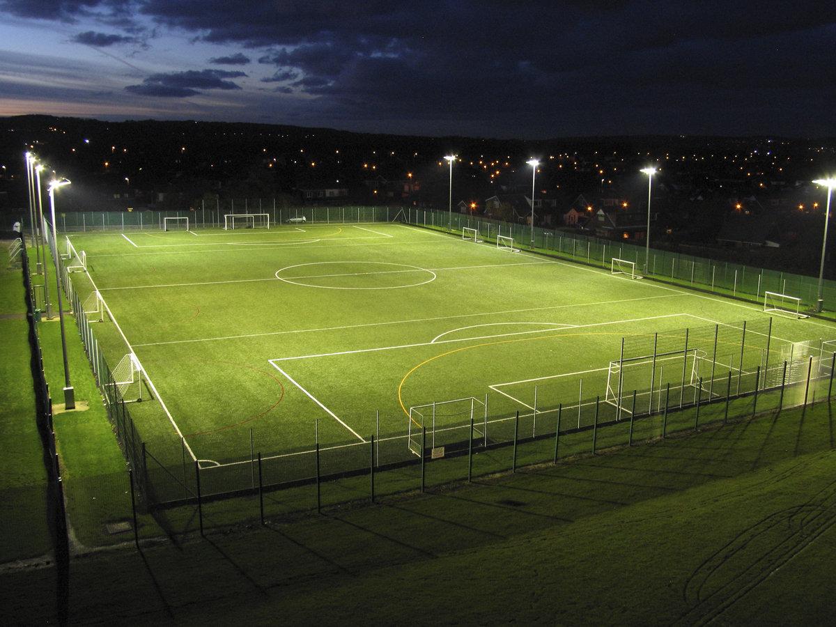 Картинка поля футбольное