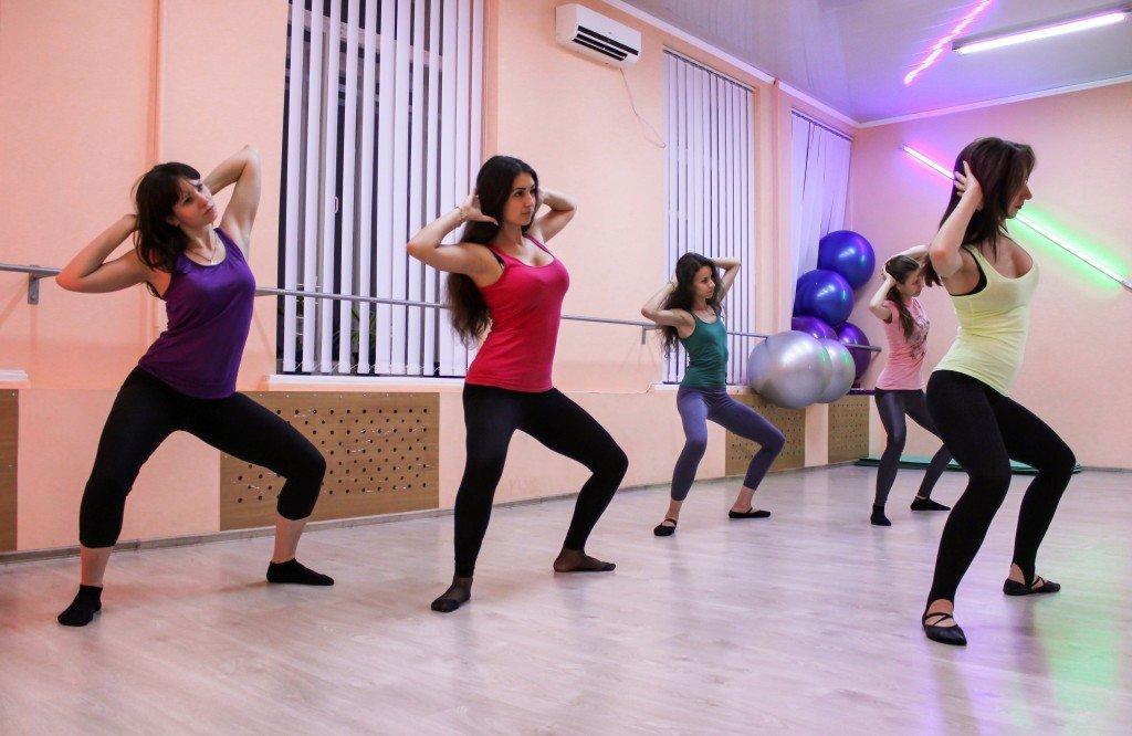 Танцы Фитнес Для Похудения. Лучшие танцы для похудения в домашних условиях