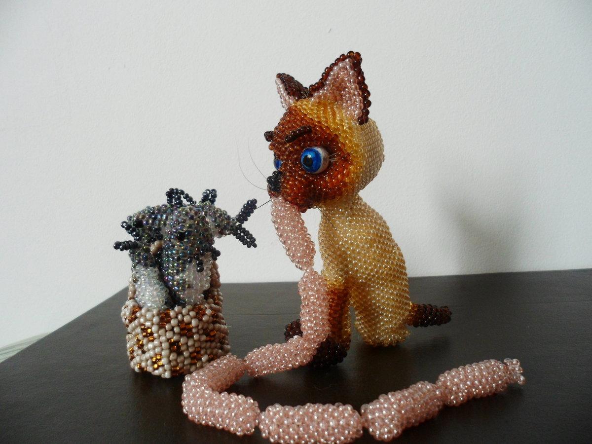 Картинки кошки из бисера