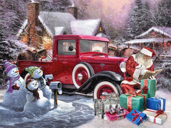 Дед Мороз у красной машины.